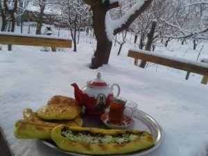 صبحانه محلی در اقامتگاه بومگردی جلفا