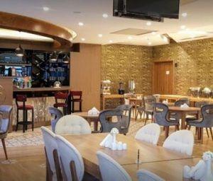 کافه هتل امپریال جلفا